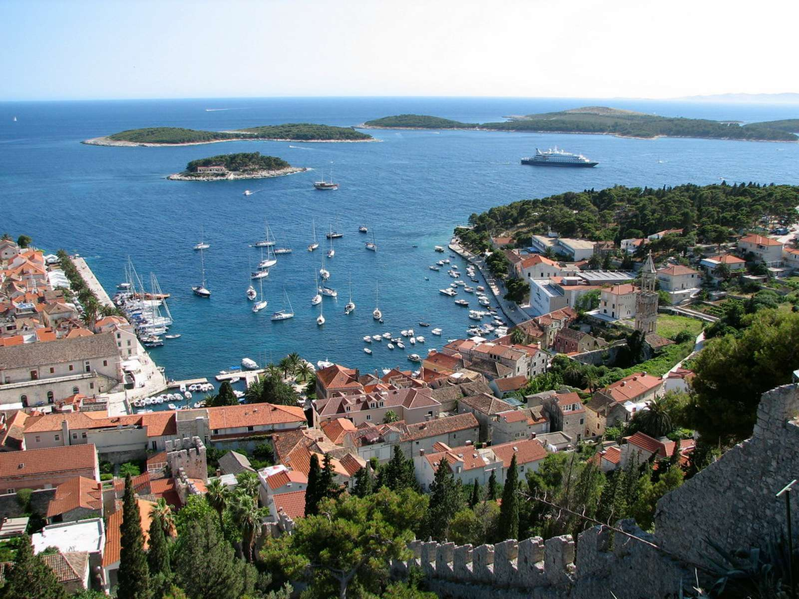 Villa gg exclusive holiday for families and friends in for Hvar tourismus